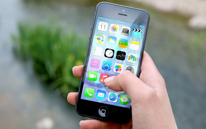Smartphone (Bild: Pixabay)